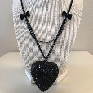 NWOT Betsey Johnson Black Heart Necklace
